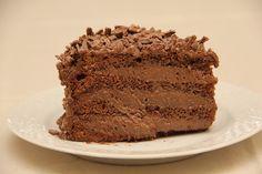 Aprenda a fazer esse delicioso recheio de mousse de chocolate para seus bolos…