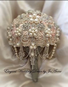 VINTAGE BROOCH BOUQUET Custom Wedding by Elegantweddingdecor