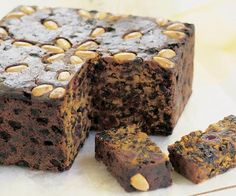 This easy Christmas cake recipe from the Women's Weekly is loaded with delicious traditional Christmas flavours of dried fruit and spices. Xmas Food, Christmas Cooking, Christmas Desserts, Christmas Cakes, Christmas Recipes, Xmas Cakes, Christmas Treats, Vegan Christmas, Christmas Pudding