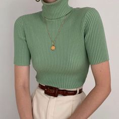 Styling Silk Knit Tops Mint Silk Turtleneck Knit + Cream High Waisted Trousers Button trousers outfit ideas for women. Fall Outfits, Casual Outfits, Cute Outfits, Summer Outfits, Christmas Outfits, Dress Casual, Dress Outfits, Men Casual, Easy Style