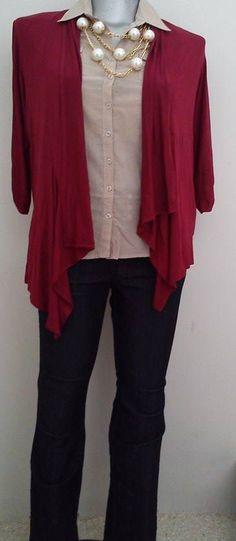 Para este clima fresco un outfit versátil una blusa de algodón, jeans y un ensamble, un collar lindo y listo! Bonus: un ensamble como este es ultra-favorecedor, por su corte asimétrico y tela con peso.