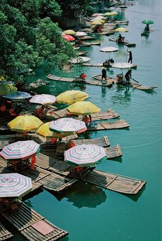 Bamboo Rafts in Yangshuo | photography by http://www.fionacaroline.com/