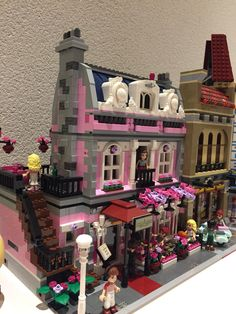 LEGO friends restaurant