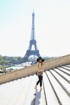 Ooooooh qué genial y sale la Torre Eiffel estupenda!!!!♥♥♥Toda una bella foto
