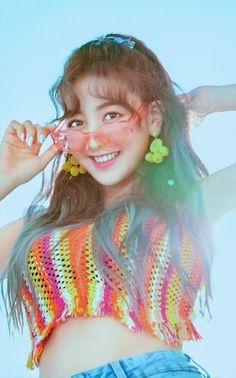 i've been resurrected. Kpop Girl Groups, Korean Girl Groups, Kpop Girls, K Pop, Leader Twice, Park Ji Soo, Warner Music, Jihyo Twice, Twice Once