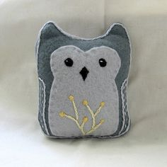 gray felt owl by small::bird, via Flickr