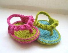 Una nueva versión de las flip flop para los bebés más estilosos: craftsy.com/pattern/crocheting/Accessory/Flip-Flops-for-Baby-Crochet-Pattern/1479