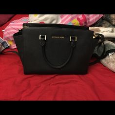Michael kors large black selma EUC, smoke free, dustbag not included, 100% authentic Michael Kors Bags Satchels