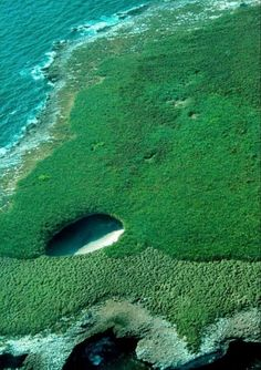 1. Playa oculta en las Islas Marieta, México