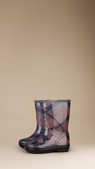 Brit Check Rain Boots | Burberry for my big girl Audrey ☔