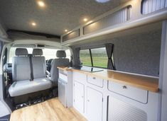 Are you looking for a campervan conversion but would like the glamping experience? Take a look at our glamping campervan conversions & see if its for you. Vw Transporter Campervan, Campervan Hacks, Vw T5 Interior, Campervan Interior, Interior Design, Van Conversion Interior, Camper Van Conversion Diy, Vw Camping, Glamping