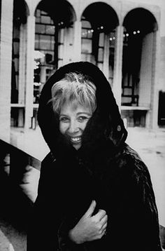 """Bubbles"" in fur:  American soprano opera singer Beverly Sills in front of the Metropolitan Opera."