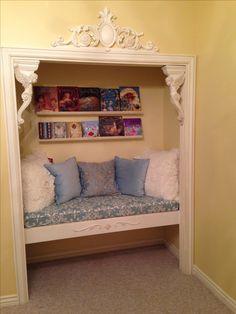 Closet Reading Nook #ReadingSpaces #Books #Home