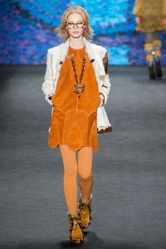 Anna Sui Fall 2015 Ready-to-Wear Collection Photos - Vogue Fashion Week, Runway Fashion, Boho Fashion, Fashion Show, Autumn Fashion, Fashion Design, Fashion Trends, Anna Sui, Harper's Bazaar