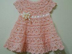 Vestido ,0-3 meses (Linha Clea 5 agulha 1,75)