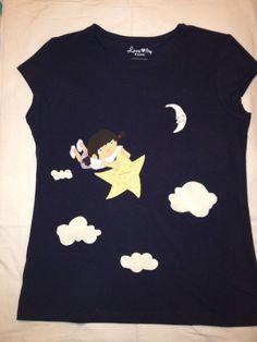 Soñando.... Camiseta hecha a mano. Nubes De peluche...