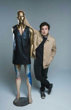 Tall mannequin you got there, Frank. <<< short Frank you got there, mannequin.