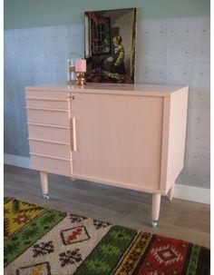 vintage kastje naaimachinekastje voor kinderkamer pastelroze   www.mevrouwdeuil.nl