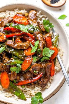 Beef Stir Fry is a weeknight dinner favorite and is easy to make at home. It has tender beef, a flavorful sauce, and lots of colorful veggies. Asian Beef Stir Fry, Easy Beef Stir Fry, Stir Fry Meat, Stir Fry Using Hoisin Sauce, Stir Fry Meal Prep, Beef Noodle Stir Fry, Steak Stir Fry, Korean Beef, Beef Stew Meat
