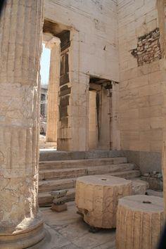 Ancient Greek Art, Ancient Greece, Patras, Machu Picchu, Ancient Architecture, Gothic Architecture, Athens Greece, Archaeological Site, Greece Travel