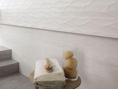Venis 'Madagascar Blanco' Stone Look Wall Tile | Ceramo