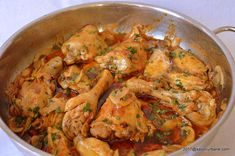 Pui cu ciuperci si vin in sos de rosii la tigaie Turkey Recipes, Chicken Recipes, Low Carb Recipes, Cooking Recipes, Romanian Food, What To Cook, Chicken Wings, Bacon, Food And Drink