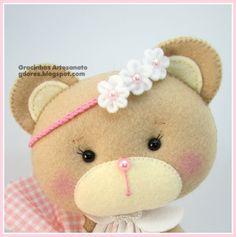 Felt Crafts, Diy And Crafts, Bear Felt, Felt Banner, Baby Shawer, Felt Toys, Felt Art, Diy Doll, Felt Animals