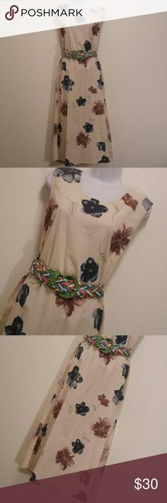 NWT Stock Options Cream Floral Dress Perfect for Vacation, Big Bold Floral Print, Back Zipper, Accessories not included. Dresses