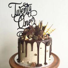👌Urban words twenty one topper fits perfectly on this amazing choc drip cake. Bolo Drip Cake, Chocolate Drip Cake, Bolo Cake, Drip Cakes, Chocolate Cookies, Mini Cakes, Cupcake Cakes, Cake Toppers Australia, Rodjendanske Torte