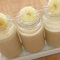 Healthy breakfast smoothie: bananas, oatmeal, peanut butter, milk .....