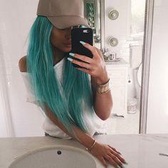 Kylie Jenner LONG MINT GREEN HAIR! - http://oceanup.com/2015/04/09/kylie-jenner-long-mint-green-hair/