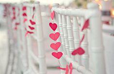 kalpli duvar süslemeleri kalpli düğün teması kalpli düğün süslemeleri kalpli düğün pastası kalpli düğün fikirleri kalp şeklinde sırt dekoltesi kalp düğün teması ilginç düğün temaları ilginç düğün fikirleri düğün temaları
