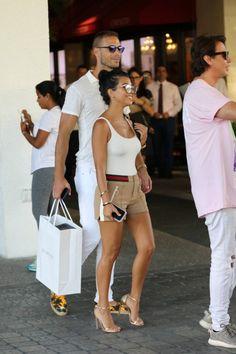 kourtneykardashianflawless: Kourtney shopping in Miami -… Kourtney Kardashian Body, Kardashian Style, Kardashian Jenner, Kardashian Kollection, Casual Outfits, Summer Outfits, Cute Outfits, Fashion Outfits, Looks Style