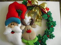 Corona Rudolf y Santa Felt Christmas Ornaments, Etsy Christmas, Christmas Sewing, Christmas Fun, Christmas Wreaths, Hanukkah Crafts, Christmas Projects, Holiday Crafts, Felt Decorations