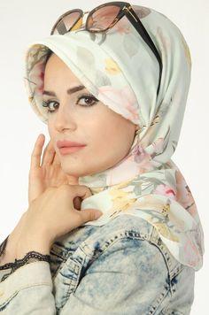 Diy Storage Ideas For Small Bedrooms, Hijab Wear, Nuno Felt Scarf, Hijab Tutorial, Nuno Felting, Fashion Sewing, Head Wraps, Hijab Fashion, Veil