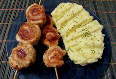 Sonkás-szalonnás csirkemelltekercs Mashed Potatoes, Bacon, Ethnic Recipes, Food, Whipped Potatoes, Smash Potatoes, Essen, Meals, Yemek