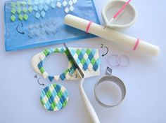These Amazing Golf Cake Toppers Are a Hole in One! Golf Course Cake, Golf Cake Toppers, Fondant Tutorial, Fondant Figures, Measuring Cups, Hobbies, Decorated Cookies, Measuring Cup, Measuring Spoons