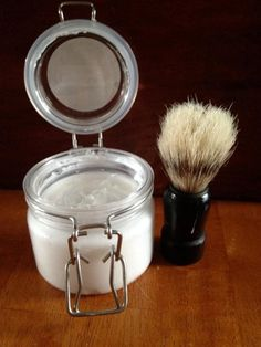 Give yourself a nice, clean shave that leaves you smelling citrusy with homemade sandalwood shaving creme. Best Safety Razor, Best Shaving Cream, Men Shower, Beard Game, Shaving Soap, Diy Spa, Men's Grooming, Diy Beauty, Beauty Stuff