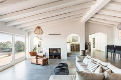 Interior Renovation Of A House In Mas Nou by 05 AM Arquitectura Rustic Light Fixtures, Rustic Lighting, Home Design, Costa, Interior Decorating, Interior Design, Cuisines Design, Big Houses, Dream Houses