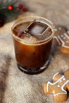 Gingerbread cookie cocktail (spiced rum, molasses, ginger beer, spices)