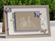 Een kaart voor huwelijk of engagement. Versierd met vlinders en witte halve parels.