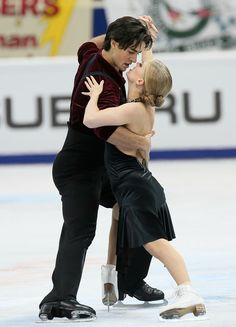Kaitlyn Weaver and Andrew Poje of Canada #COR13 #FigureSkating
