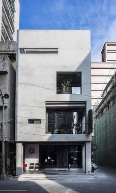 Renovation of Split-Level Hair Salon & Residential,© Hey! Cheese