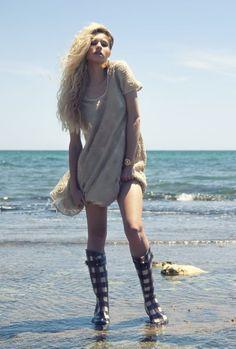 http://www.fashionfreax.net/outfit/506258/No-son-s-lo-para-la-lluvia-Eh