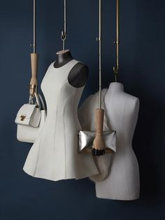hanging bust form system
