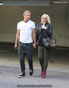 Pregnant Gwen Stefani goes to Jesun Acupuncture Clinic with husband Gavin Rossdale See more Pic http://www.icelebz.com/events/pregnant_gwen_stefani_goes_to_jesun_acupuncture_clinic_with_husband_gavin_rossdale/
