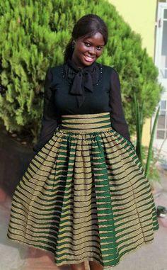 Green African Ankara Midi skirts African by MsAlabaAfricanShop Women Fashion African Print Skirt, African Print Dresses, African Dress, African Style, African Fashion Skirts, African Men Fashion, Skirt Fashion, Ankara Skirt, Casual Chic Outfits
