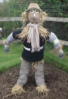 Google Image Result for http://www.makescarecrows.com/images/mary-knox-scarecrow.jpg