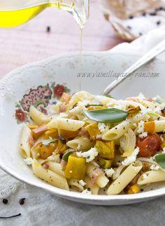 Pasta con auyama, salvia y tocineta/ Pumpkin, sage and bacon pasta