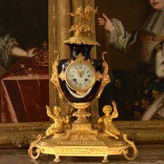 Pendule en bronze doré d'époque Napoléon III du XIXe siècle